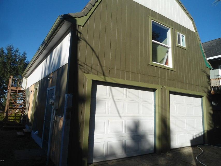 225 SE Hazelton Pl, Depoe Bay, OR 97341 - Hazelton Home
