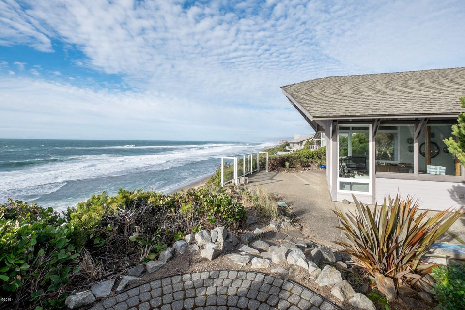 143 Salishan Drive, Gleneden Beach, OR 97388 - South View
