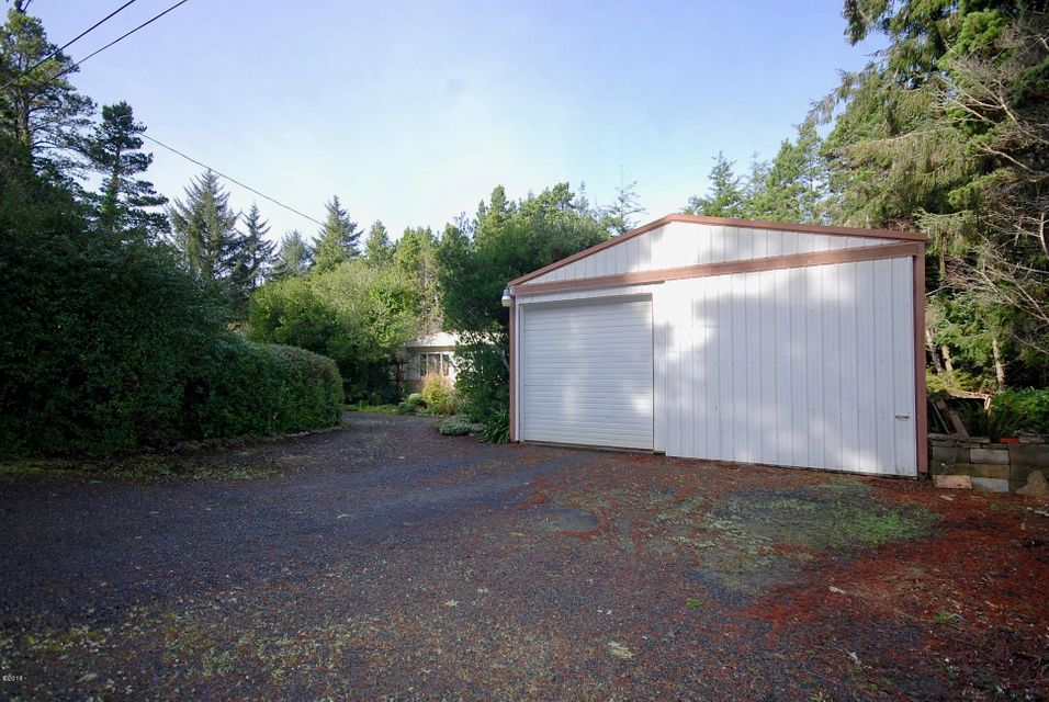 267 SE 118th St, South Beach, OR 97366 - Street View