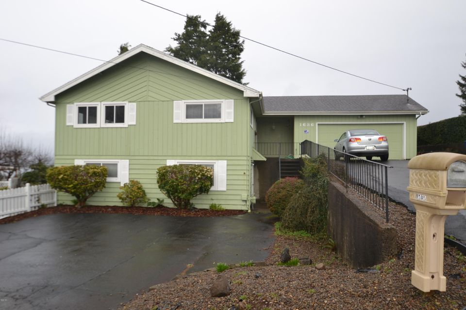 1636 SE Oar Dr, Lincoln City, OR 97367 - Front