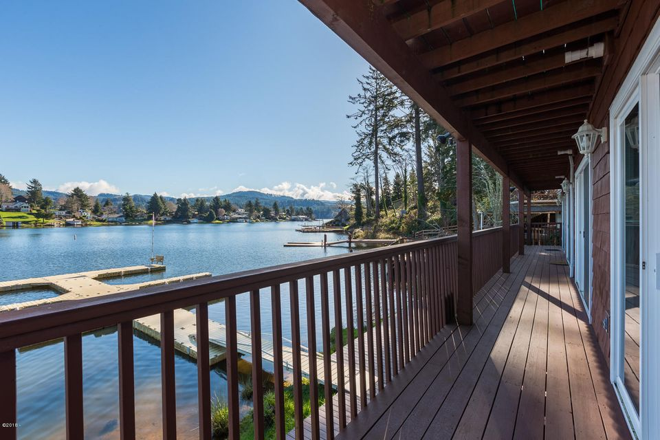 3792 NE West Devils Lake Rd., 4, Lincoln City, OR 97367 - 1 of 2 Lake View Balcony's