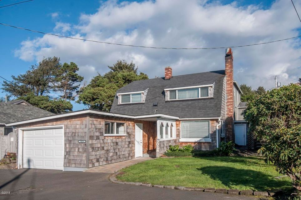 3028 NW Lee Ave., Lincoln City, OR 97367 - Curbside