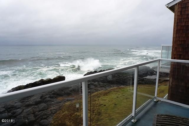 1113 N. Hwy 101, #40, Depoe Bay, OR 97341