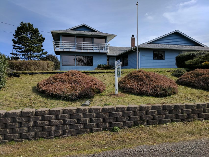 5431 SW Field Ave, Waldport, OR 97394 - Ocean view home