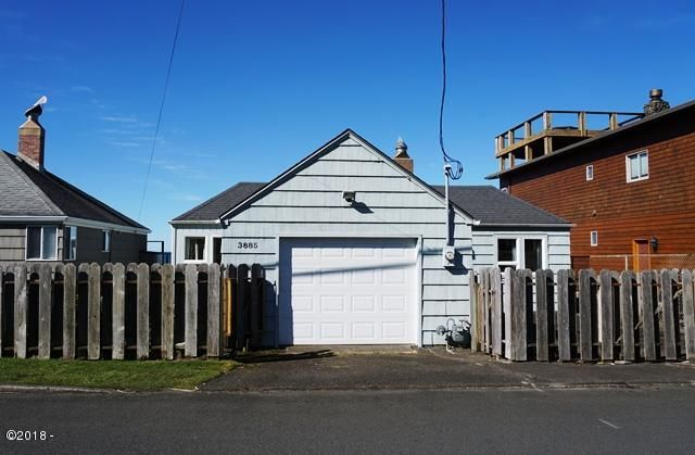 3885 NW Jetty Avenue, Lincoln City, OR 97367 - Street Side View