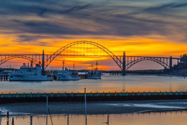 890 SE Bay Blvd, 311, Newport, OR 97365 - Sunset View