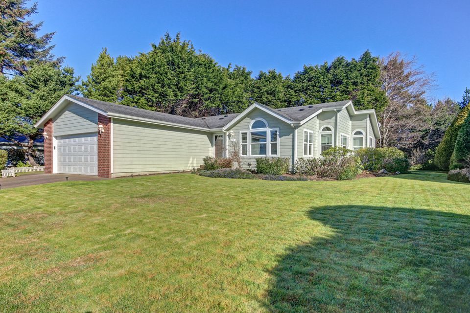 1140 SW Sailfish Lp, Waldport, OR 97394 - Front Of The Home