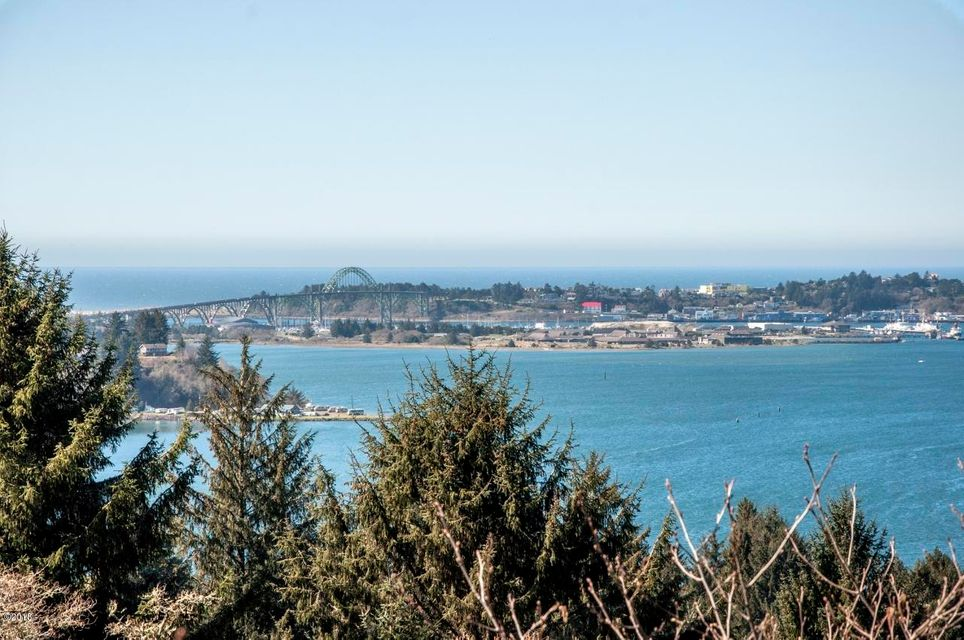 345 SE Back Bay Dr, Newport, OR 97365 - View #1