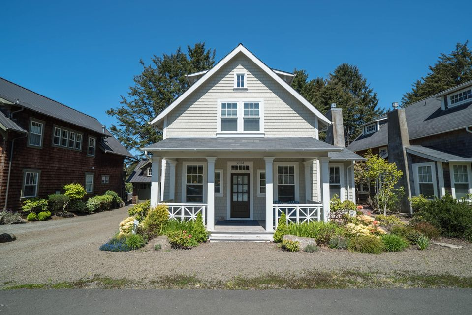 2063 NE 56th Dr., Lincoln City, OR 97367 - Belhaven Beauty