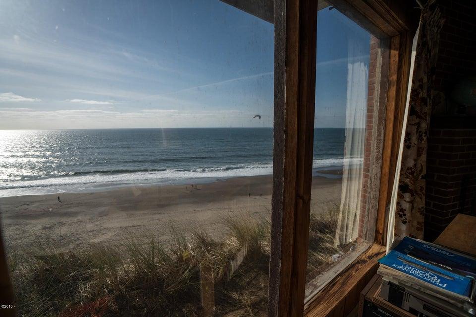 7265 Neptune, Gleneden Beach, OR 97388 - House inside 2