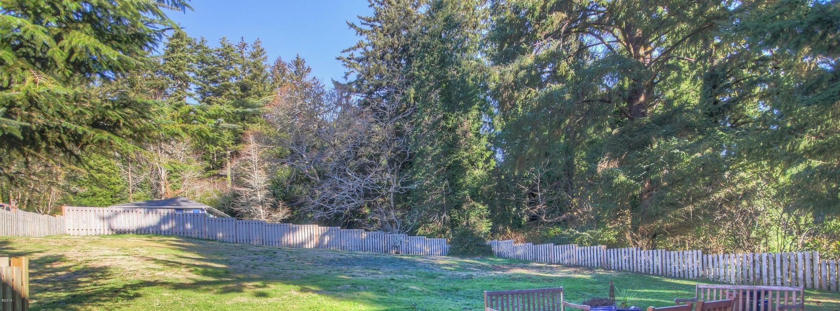 LOT 4 SE Larch St, Newport, OR 97365 - Partially Fenced
