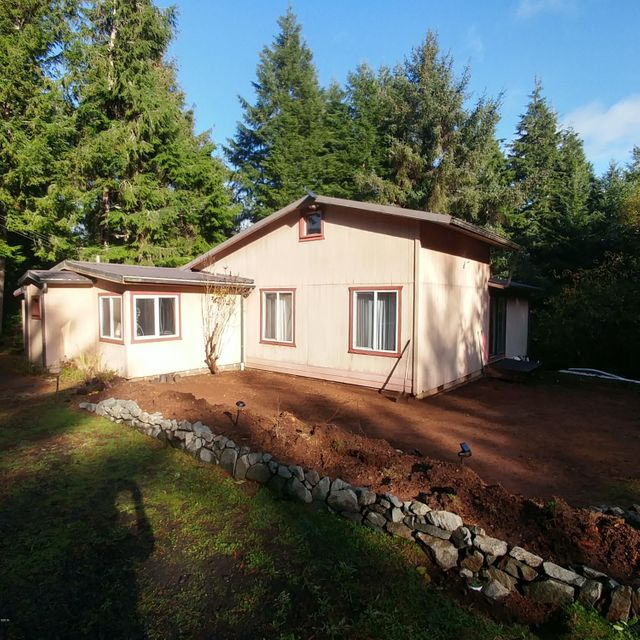 145 NE Waldport Heights Dr, Waldport, OR 97394 - Front of house