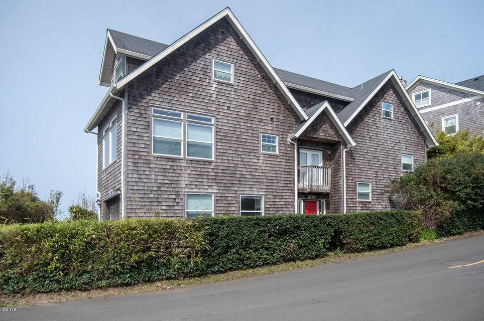 2729 SW Anchor Ave, Lincoln City, OR 97367