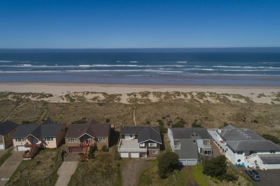 1302 NW Oceania Dr, Waldport, OR 97394