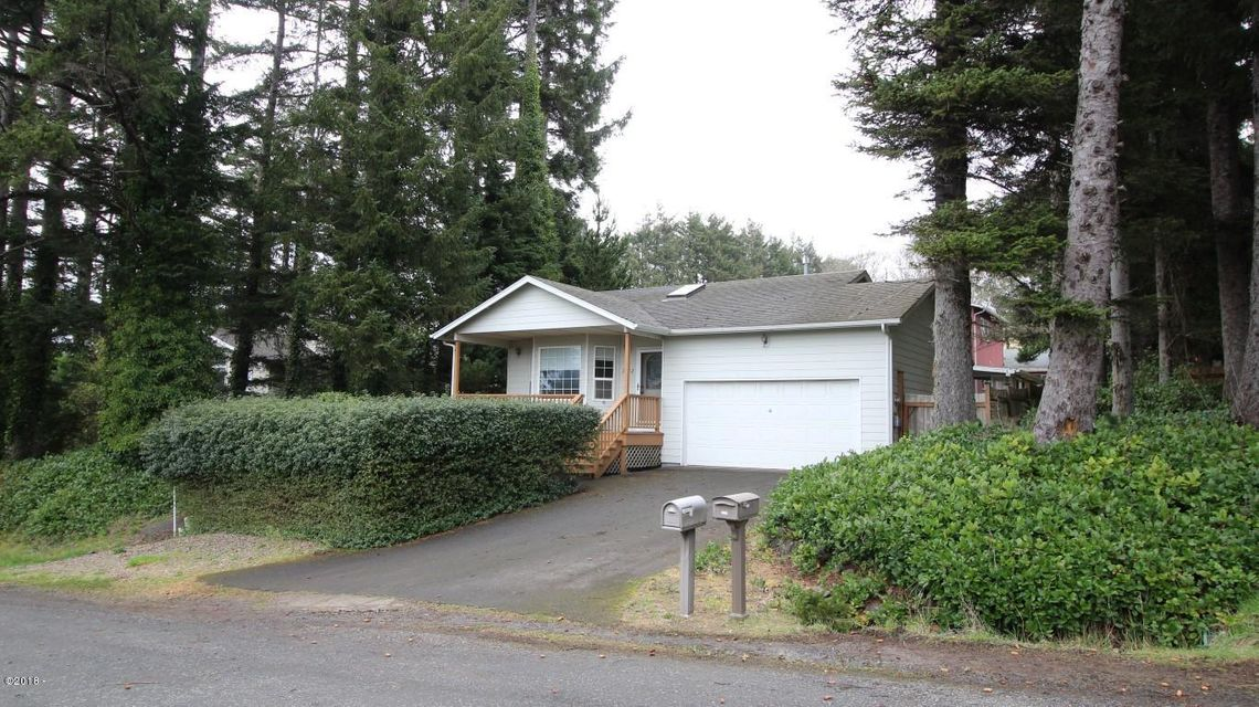 2702 NW Mast Ave, Lincoln City, OR 97367 - 0523