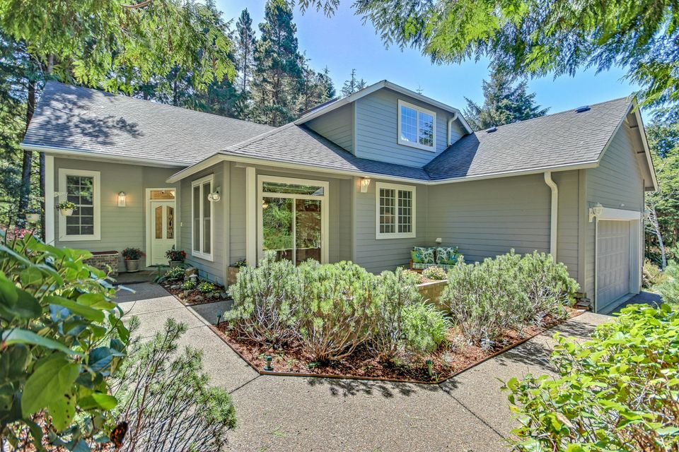 1760 SW Walking Wood, Depoe Bay, OR 97388 - Private Setting