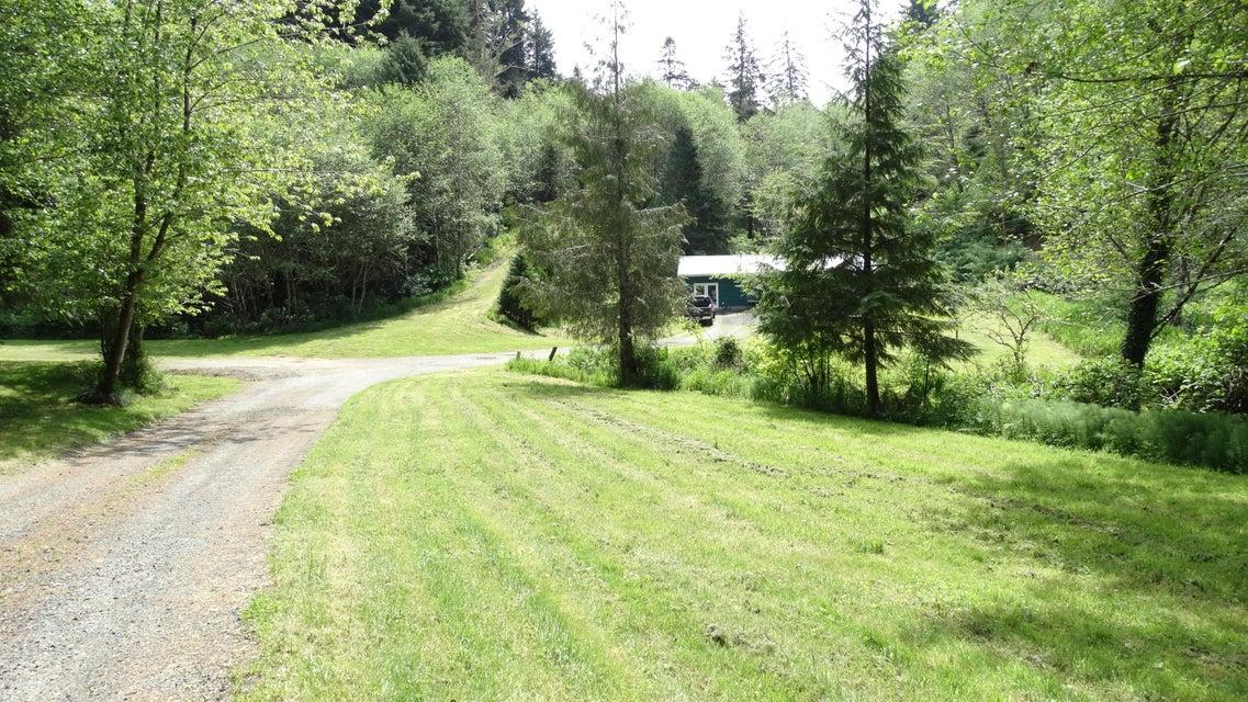 2830 NE Big Creek Rd, Newport, OR 97365 - Yard to Cottage