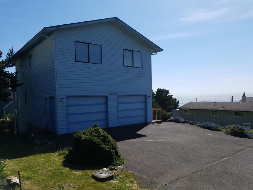 1910 NE 68th St, Lincoln City, OR 97367 - Ocean view in background