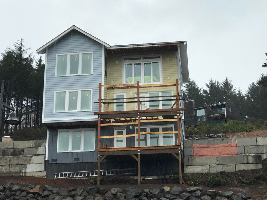 2549 SW Coral Ave, Lincoln City, OR 97367