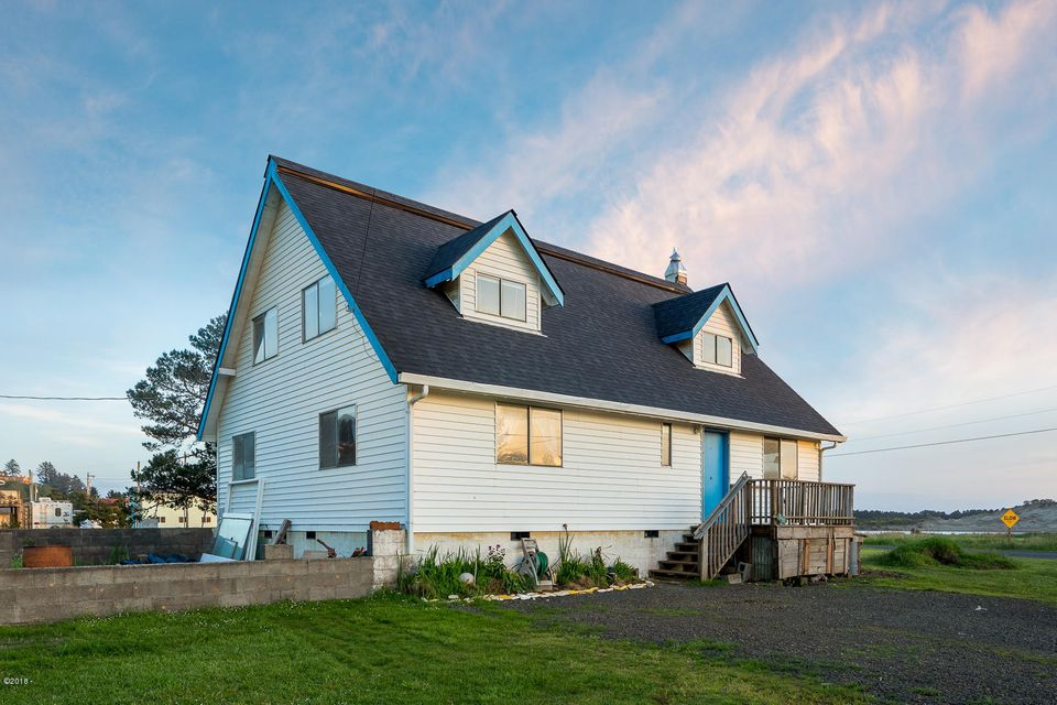 35465 Airport Way, Pacific City, OR 97135 - Exterior