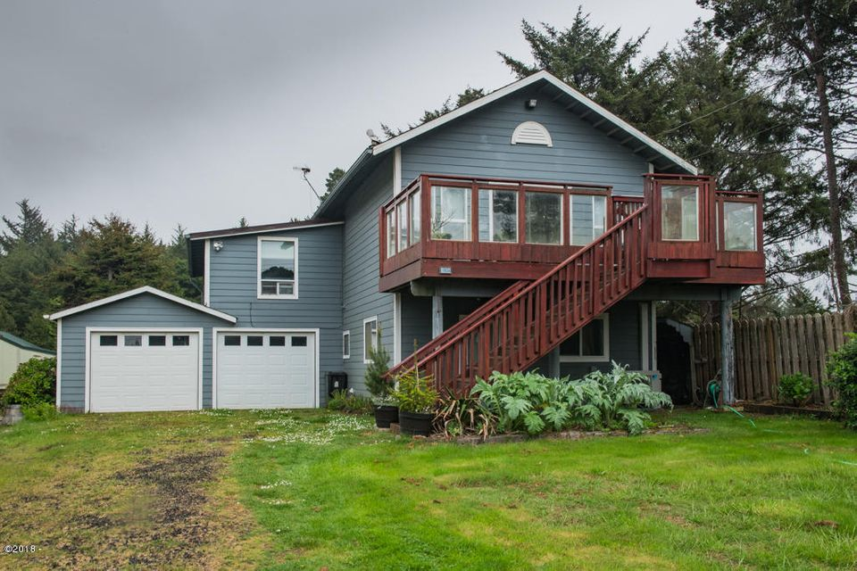 11656 NE Beverly Dr, Newport, OR 97365 - Front view.