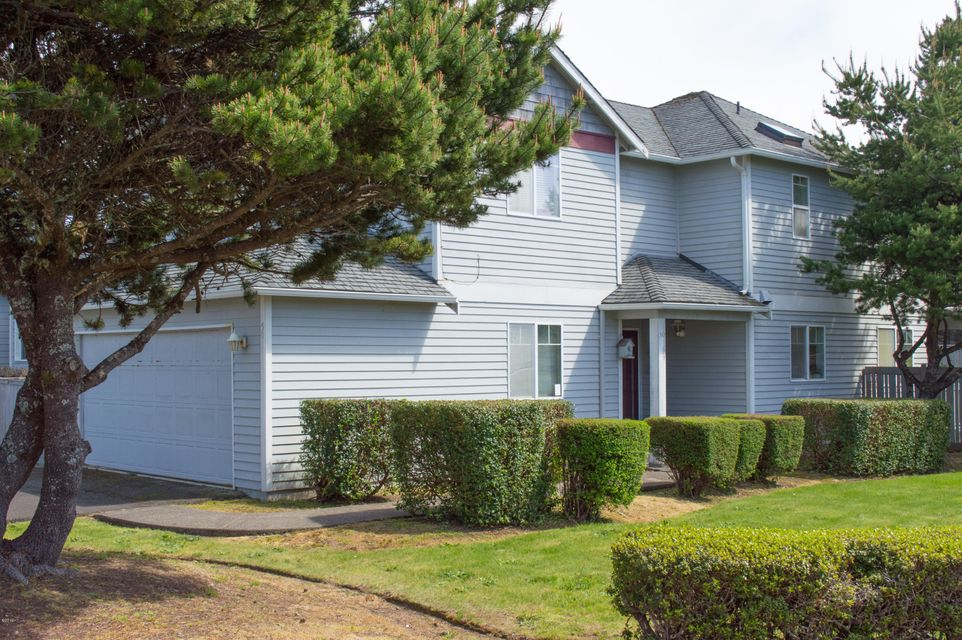50 Evergreen Ct, Depoe Bay, OR 97341