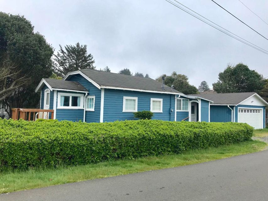 1510 Nw 20th St, Lincoln City, OR 97367 - Corner Lot Cabin