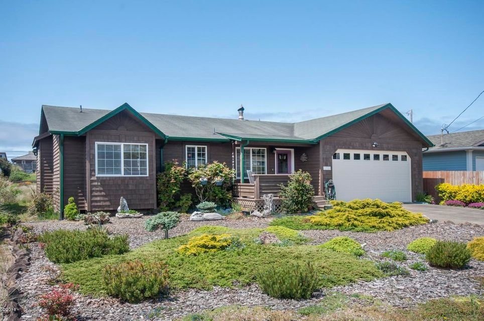 1710 NW Oceanic Lp, Waldport, OR 97394 - Exterior - View 1 (1280x850)