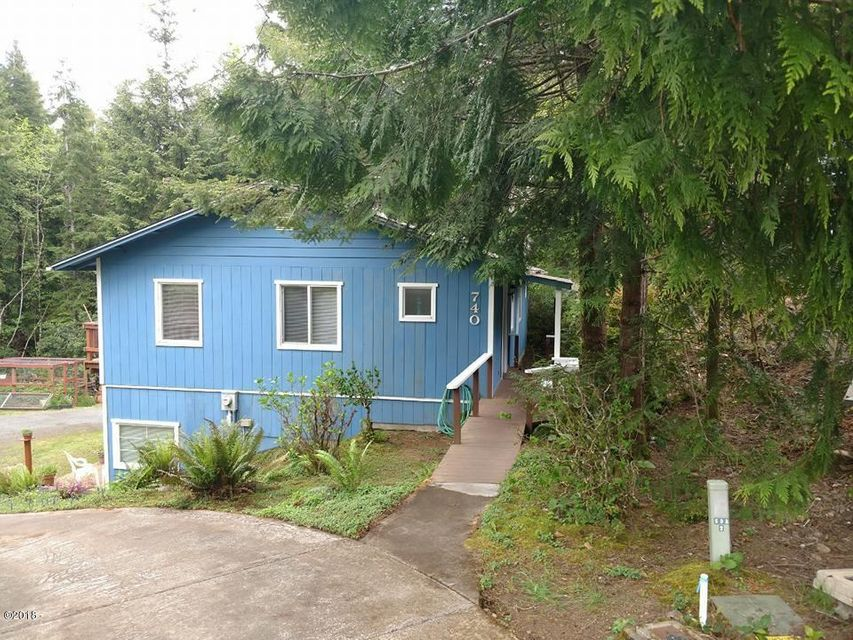 740 SW Norwood Park Pl, Waldport, OR 97394 - BEAUTIFUL TREED SETTING