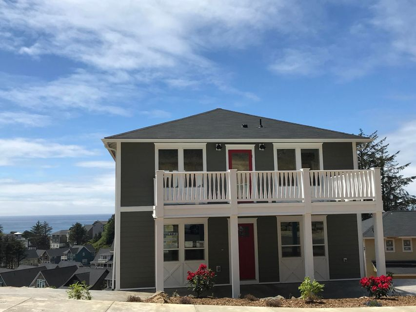 2545 SW Coral Ave, Lincoln City, OR 97367 - Carport