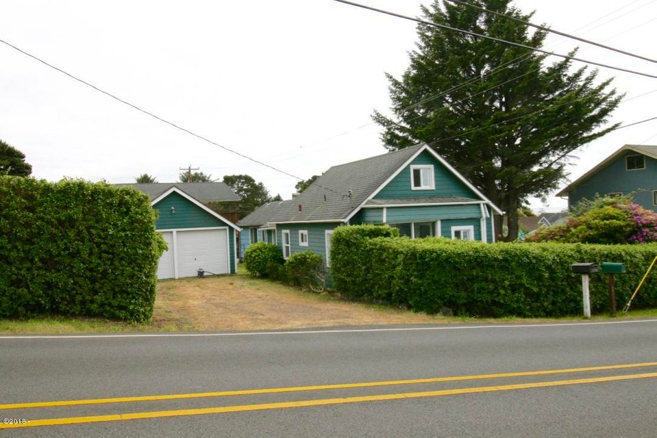 1716 NE 14th St, Lincoln City, OR 97367 - Spacious Corner Lot