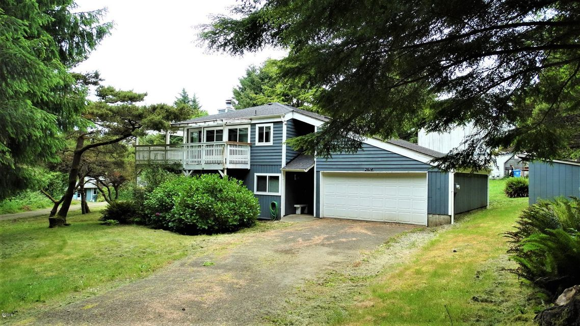 2614 NE Hemlock Dr, Yachats, OR 97498 - Front