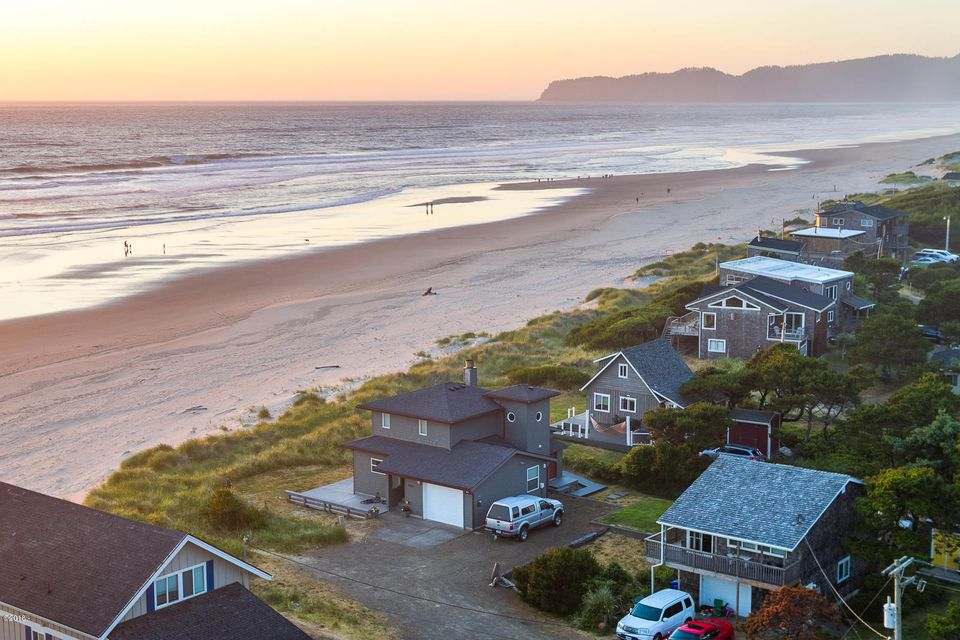 4700 Floyd Avenue, Pacific City, OR 97135