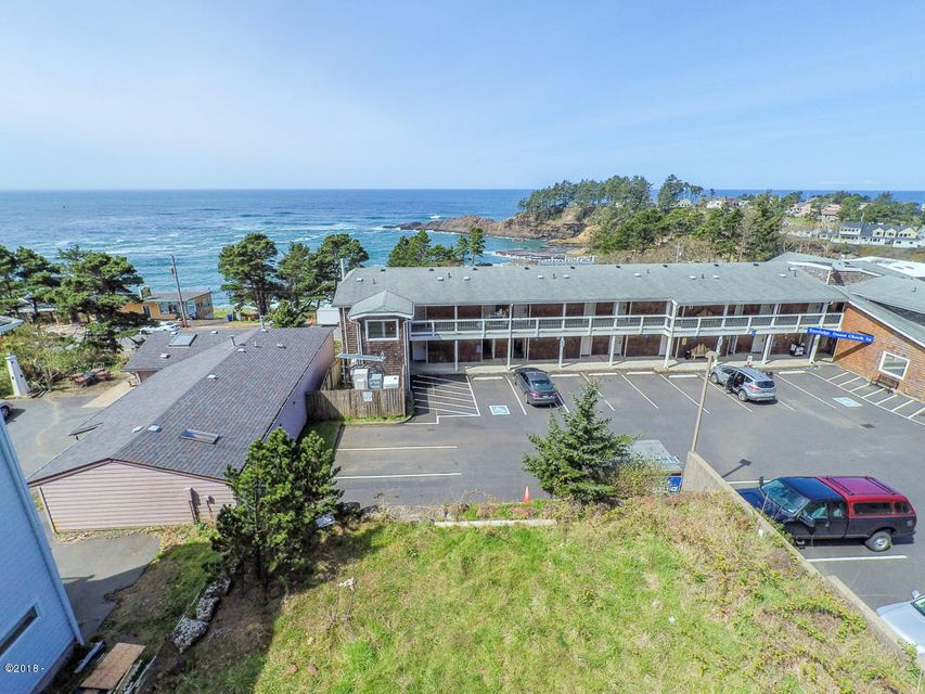 209 Williams Ave, Depoe Bay, OR 97341