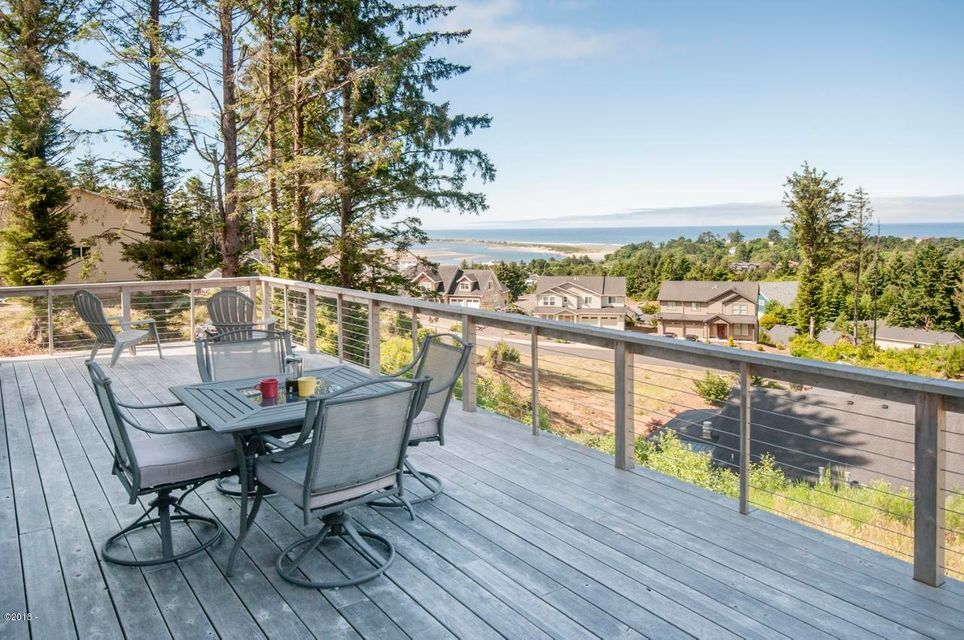4119 SE Keel Way, Lincoln City, OR 97367 - Perfect for afternoon sun & fun