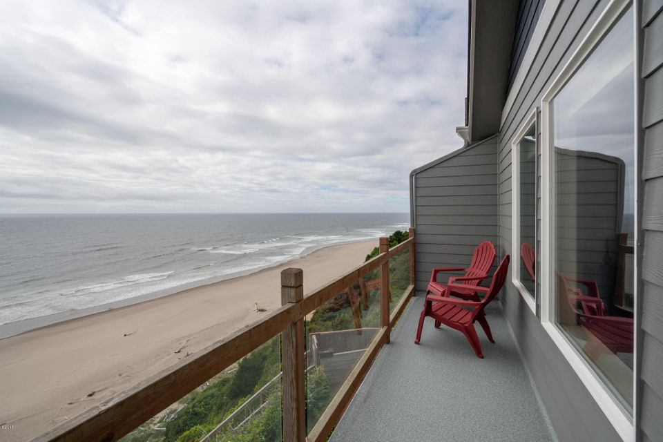 2209 SW Coast Ave, Lincoln City, OR 97367 - 2209 SW Coast St