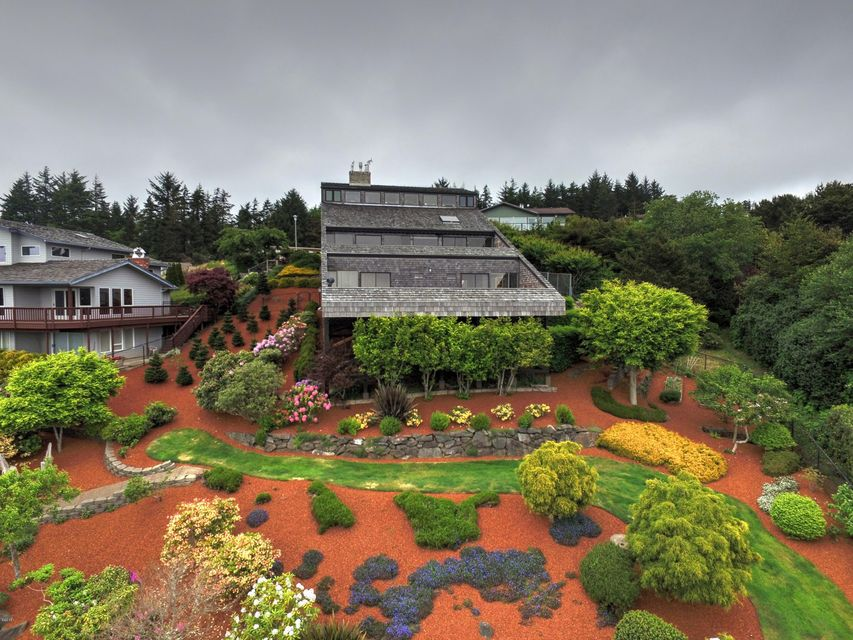 134 SE 1st Place, Newport, OR 97365 - House from John Moore