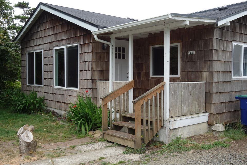 6521 SW Harbor Ave, Lincoln City, OR 97367 - Front
