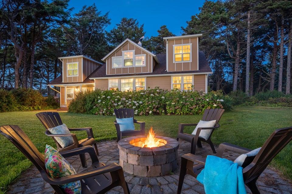 7601 N Coast Hwy, Newport, OR 97365 - Newport Oceanfront Estate