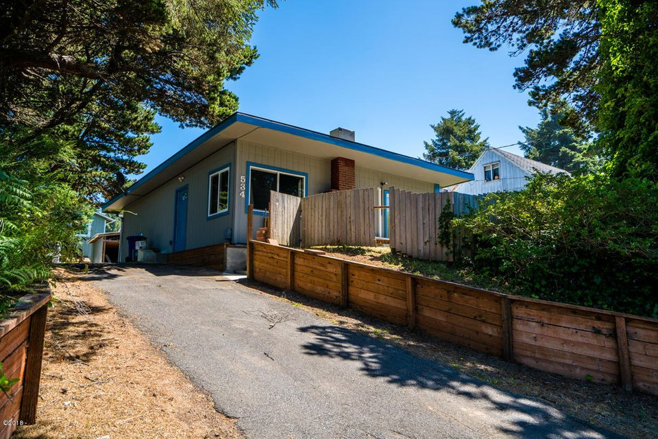534 SE Inlet Ave, Lincoln City, OR 97367