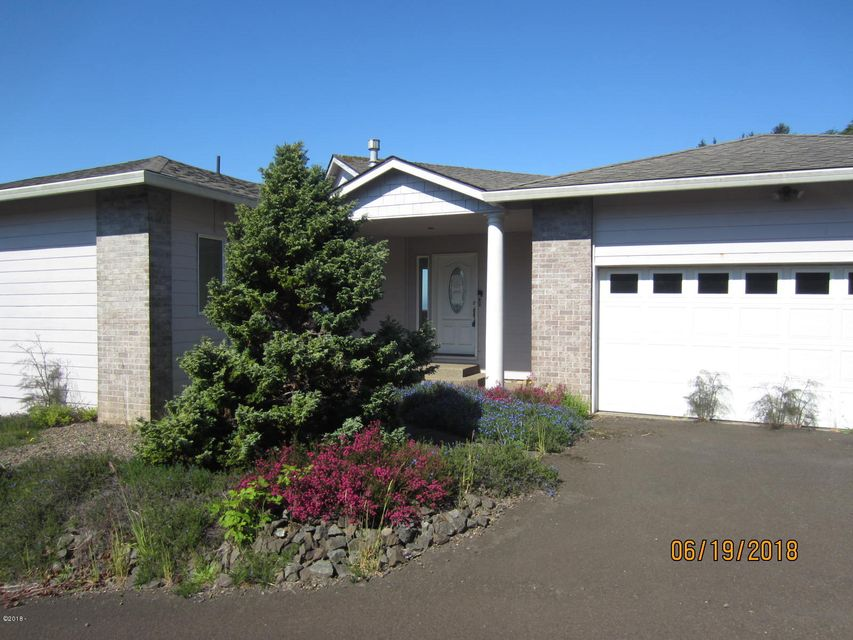 130 NE Spring Ave, Depoe Bay, OR 97341 - front view