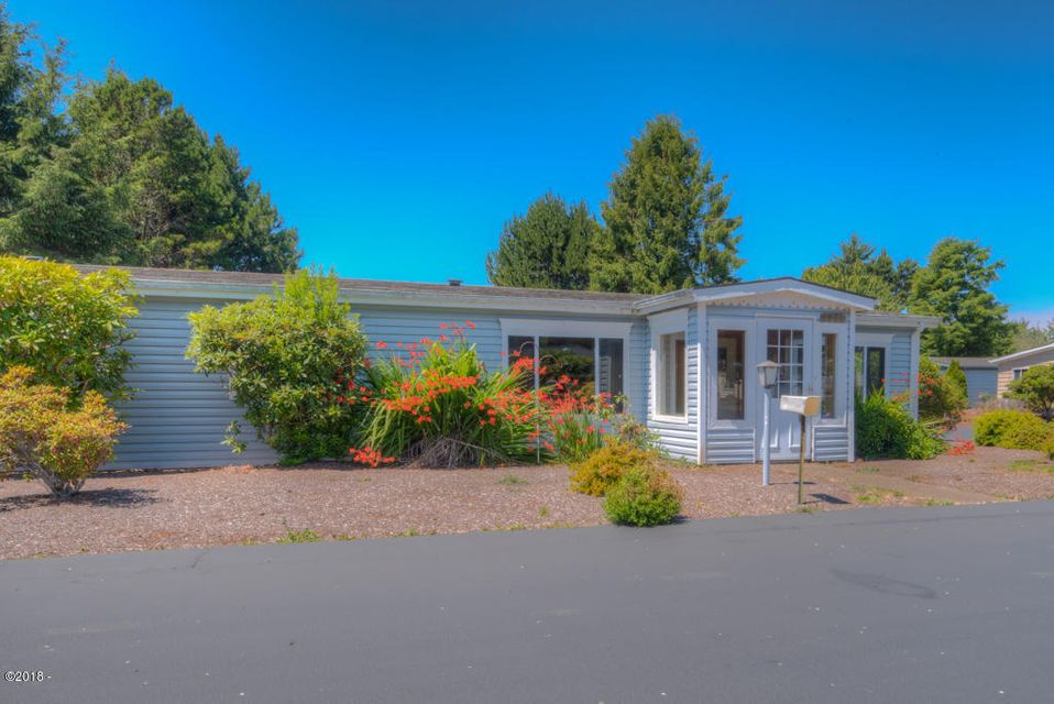 3443 NE Coos St, Newport, OR 97365 - Main view.