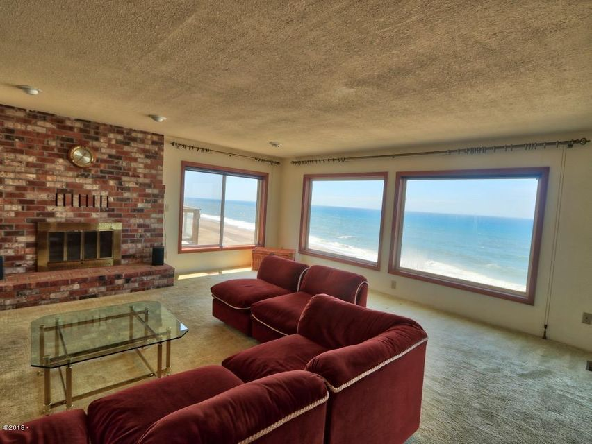 5875 El Mar Ave, Lincoln City, OR 97367 - Living Room