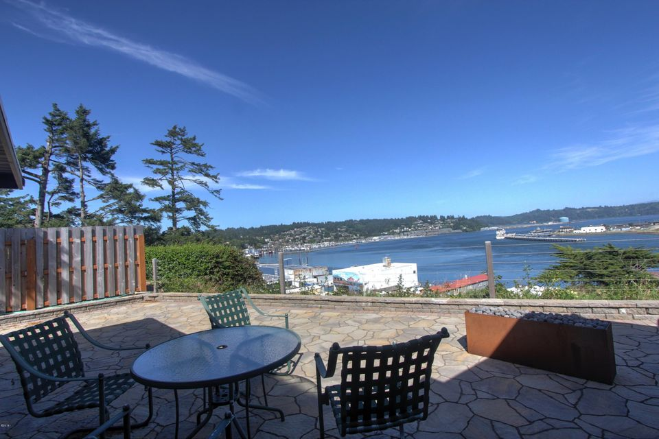 939 SW Bay View Ln, Newport, OR 97365 - Bay View