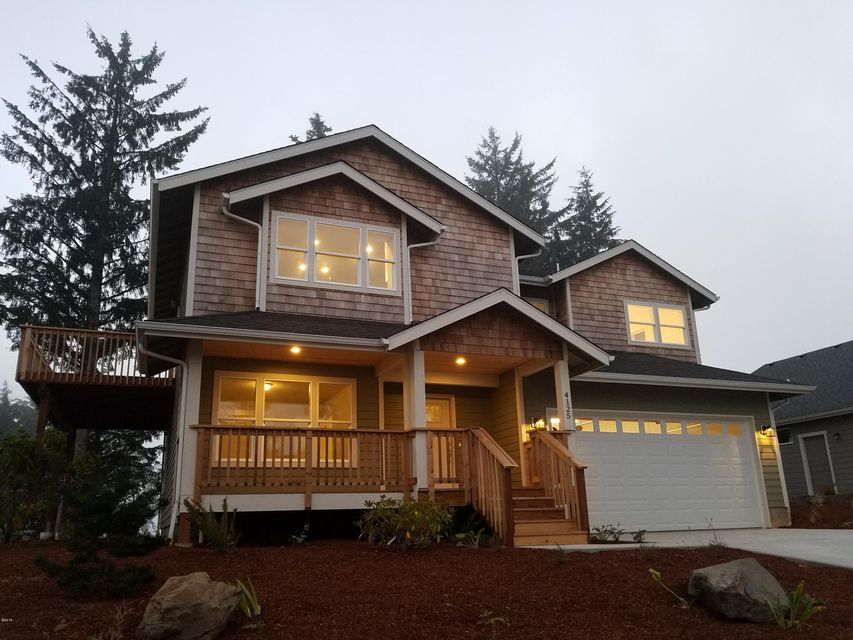 4125 SE Lee Ave, Lincoln City, OR 97367 - Evening front angle