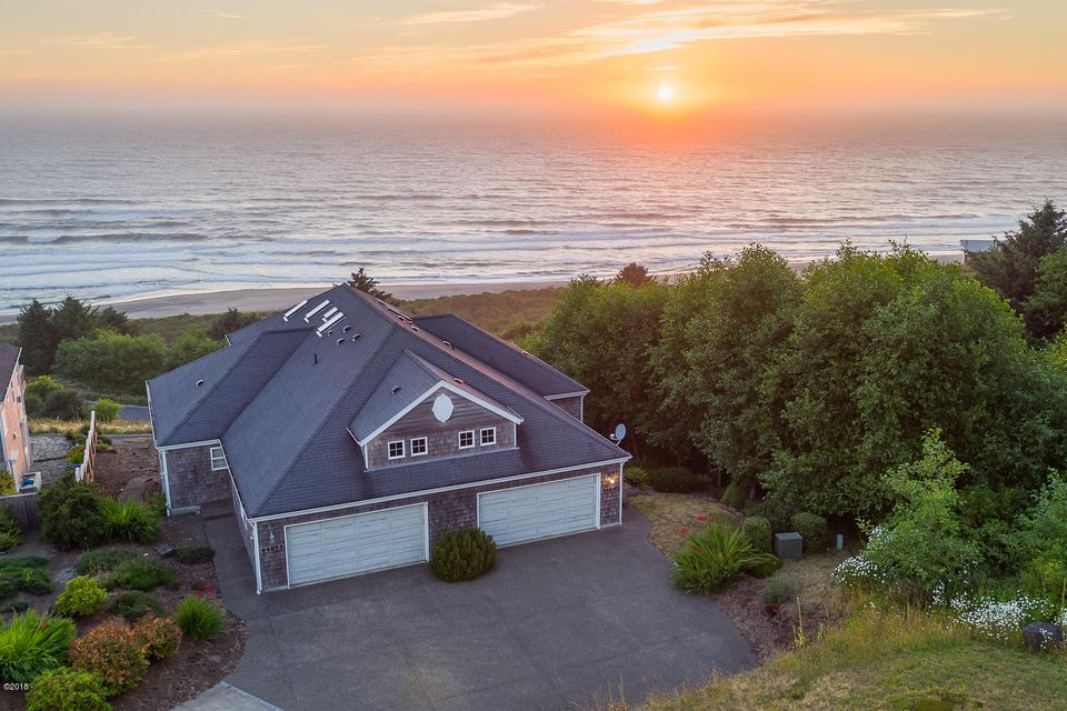 44645 Oceanview Ct, Neskowin, OR 97149 - Front Exterior Aerial
