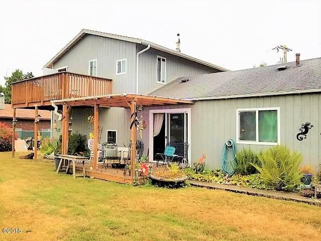 224 SE Surf Ave, Lincoln City, OR 97367 - Back View
