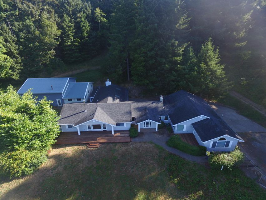7515 Yaquina Bay Rd, Newport, OR 97365 - View of complex