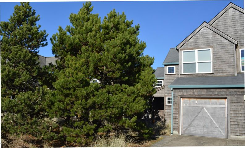 5825 Barefoot Lane, Pacific City, OR 97135