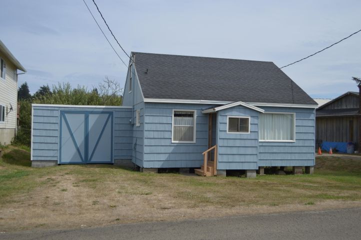 35075 Rueppell Avenue, Pacific City, OR 97135